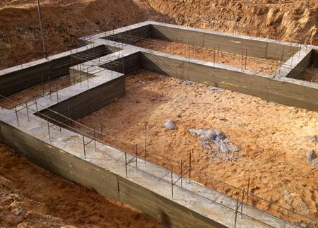 Поставки щебня и песка для изготовления фундамента частного дома